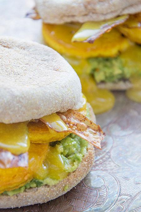 vegan bacon and egg sandwich